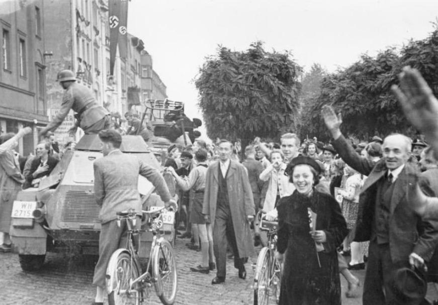 Sudeten-Duitsers verwelkomen het Duitse leger, oktober 1038