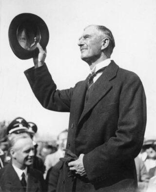 Neville Chamberlain arriveert in München, september 1938
