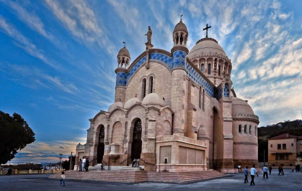 Notre Dame d'Afrique, een kerk gebouwd door de Franse pieds-noirs in Algiers