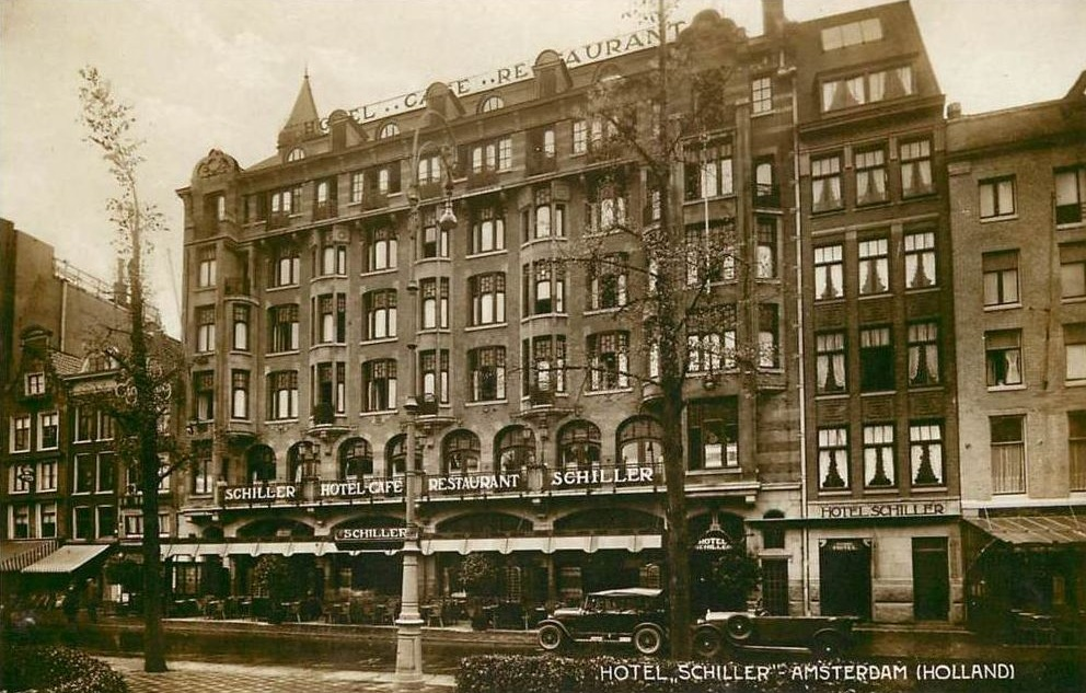 Hotel Schiller in Amsterdam, op een oude ansichtkaart