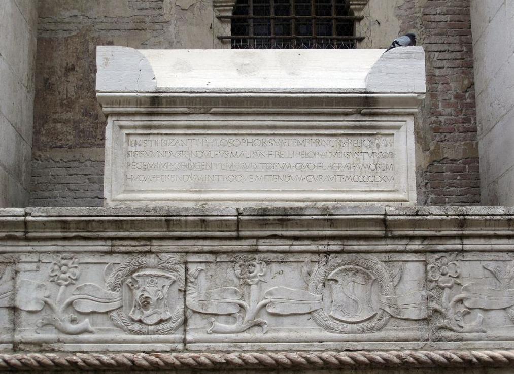 Graf van Plethon in the Tempio Malatestiano (1465), Rimini.