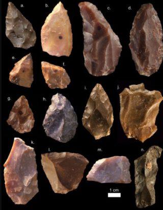 Stenen gevonden in Djebel Irhoud