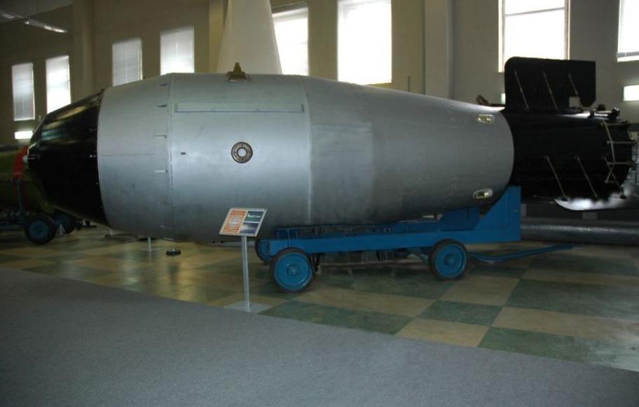 Replica van de Tsar Bomba in het Sarov atoombommuseum
