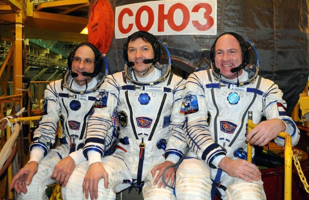 De Sojoez TMA-03M-crew: Don Pettit, Oleg Kononenko, en André Kuipers