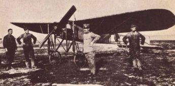 's Werelds eerste militaire verkenningsvlucht én luchtbombardement