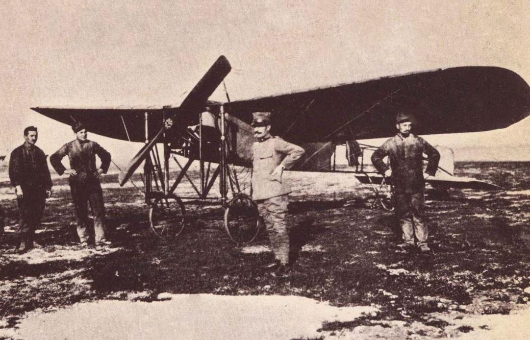 Carlo Maria Piazza voor zijn Blériot XI