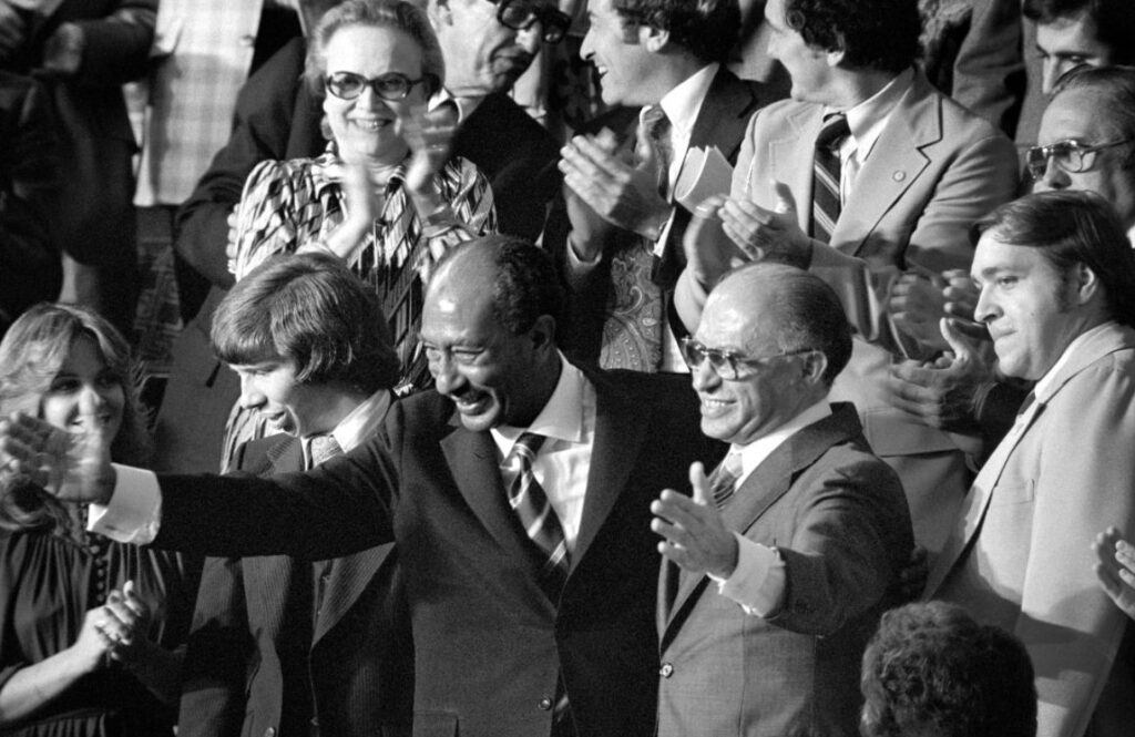 Anwar Sadat en Menachem Begin, 18 September 1978 - Foto: Warren K. Leffer