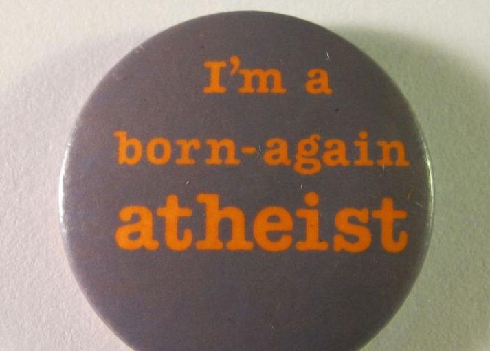 Button van een overtuigd atheïst