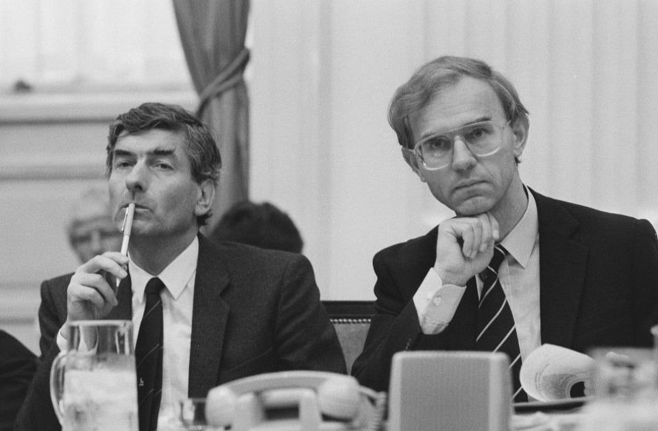 Onno Ruding naast Ruud Lubbers (l) tijdens de Algemene Beschouwingen van 1986