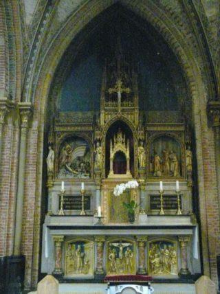 Heilig bloedaltaar in de Sint-Laurentiuskerk te Alkmaar