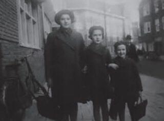 Bron: The Wiener Holocaust Library. Uit: Na het Achterhuis