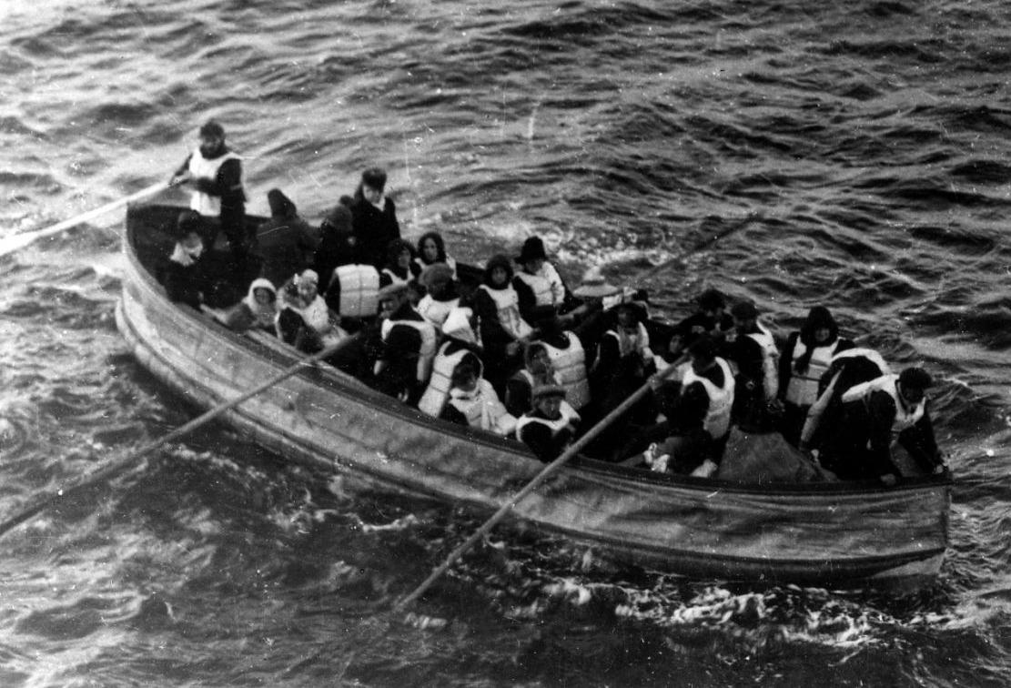 Reddingssloep D, de laatste reddingssloep van de Titanic die succesvol te water werd gelaten
