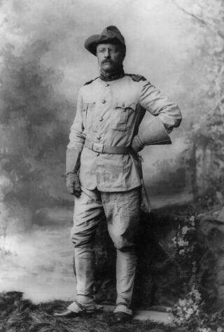 Theodore Roosevelt in 1898 (Publiek Domein - wiki)