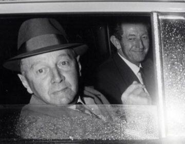 Koekoek en Adams in de auto na afloop van het debat in de Eerste Kamer, 4 oktober 1966