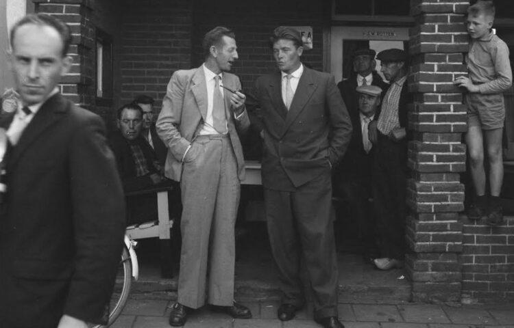 Koekoek en Harmsen bij een demonstratie van 'vrije boeren', 1961