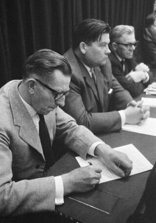 Koekoek met Harmsen en Voogd in de Tweede Kamer, 1966