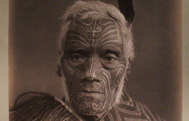 Getatoeëerd Maori-opperhoofd, 1891