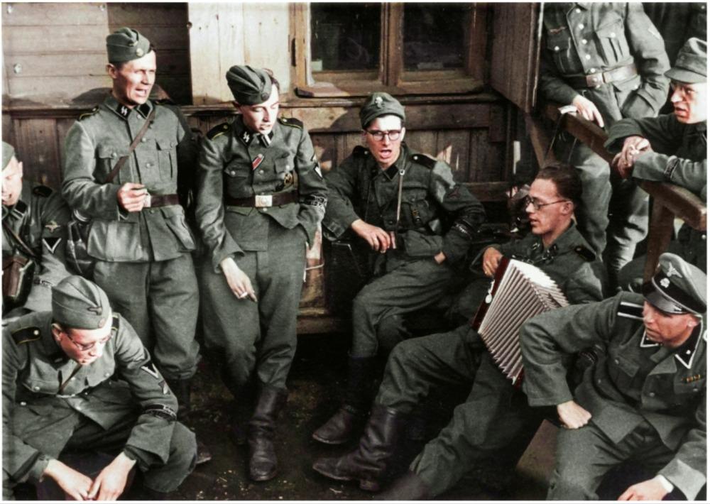 Willem Zwagers bij de Waffen SS - Foto: Archief Onno Lassooy