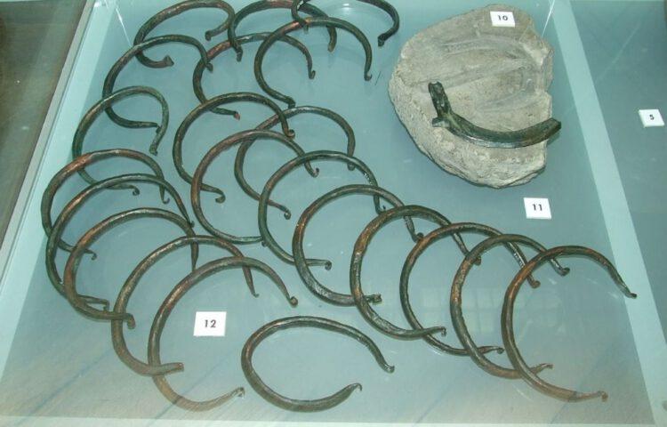 Willekeurige foto van enkele Ösenringen uit de Vroege Bronstijd