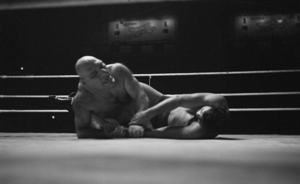 Maurice Tillet tijdens een worstelpartij met Lou Thesz, 1940