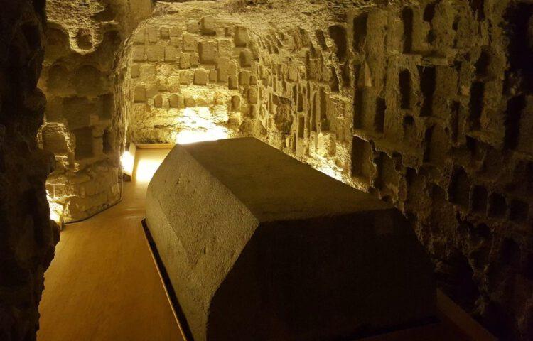 Foto gemaakt in het Serapeum van Saqqara