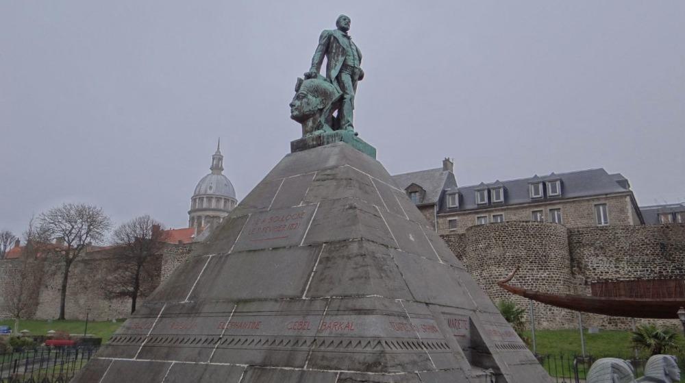Monument ter nagedachtenis aan Auguste Mariette in Boulogne-sur-Mer