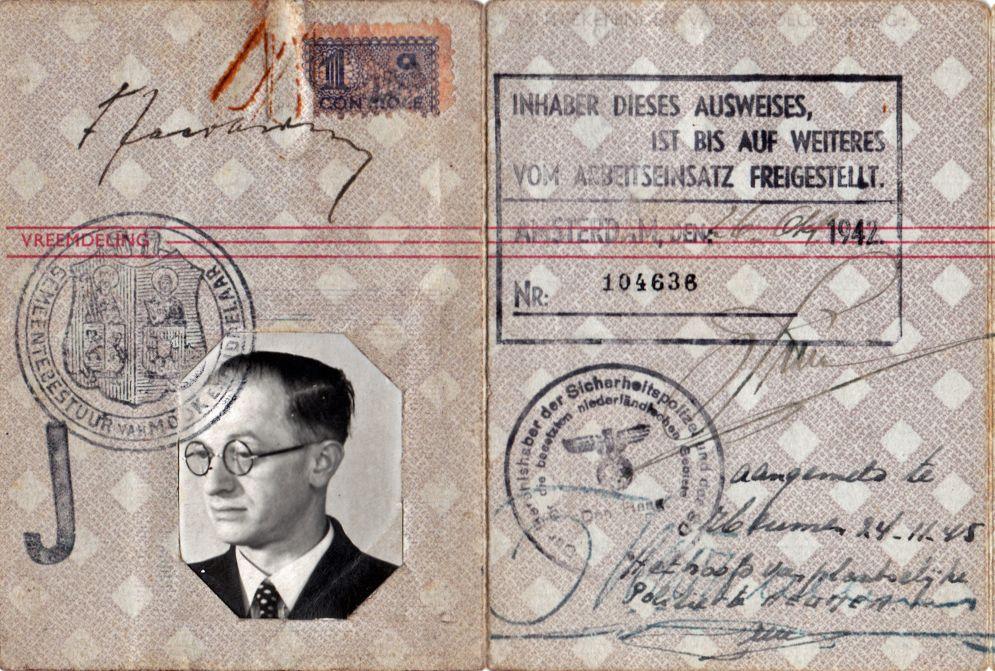 Detail van het persoonsbewijs van Fritz Jacobsohn