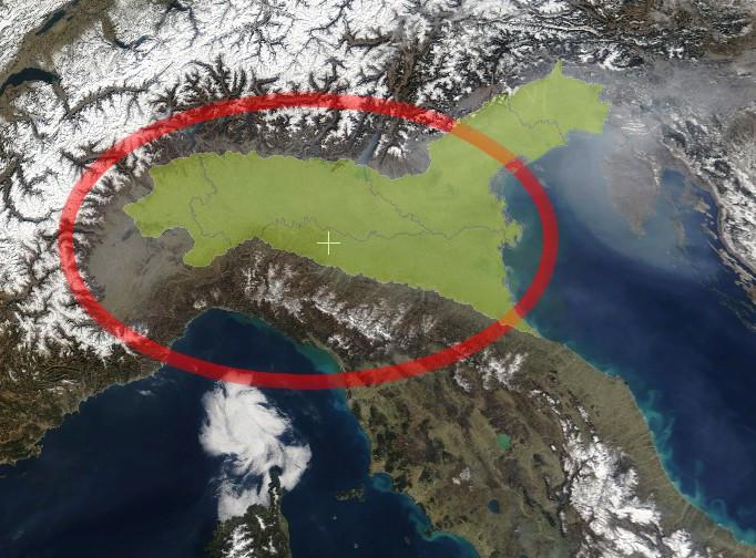 Satellietfoto van een deel van Italië, de Povlakte is rood omcirkeld