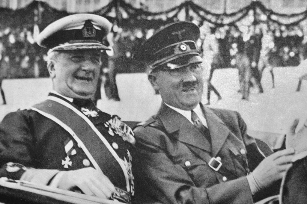 Miklós Horthy met Adolf Hitler in 1938