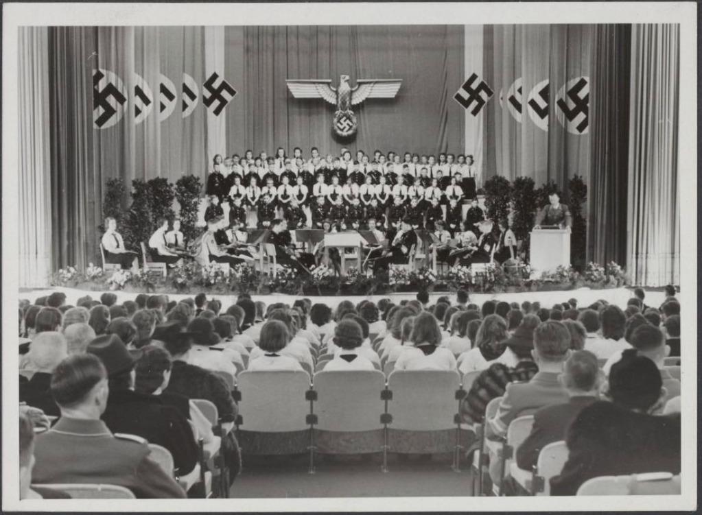 Bijeenkomst van de Bund Deutscher Mädel in Utrecht, 1942