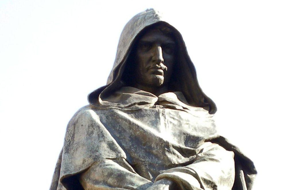 Deel van het standbeeld van Giordano Bruno op de Campo de' Fiori in Rome