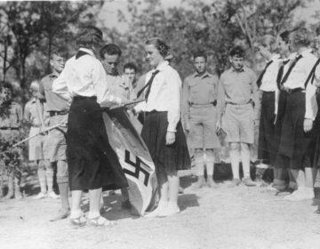 Leden van de Hitlerjugend en de Bund Deutscher Mädel in 1935