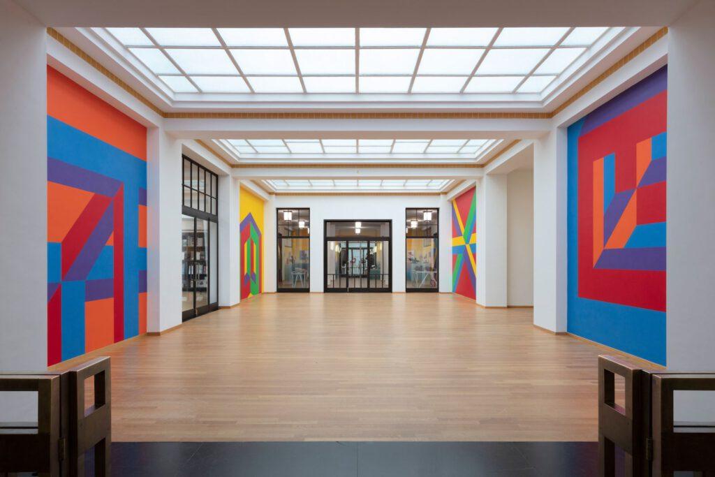 Centrale hal Kunstmuseum Den Haag met werk van Sol LeWitt. Foto: Gerrit Schreurs