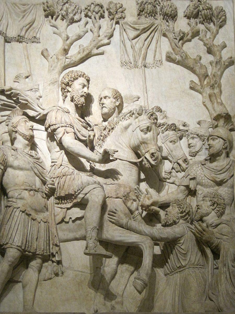 Marcus Aurelius op een reliëf