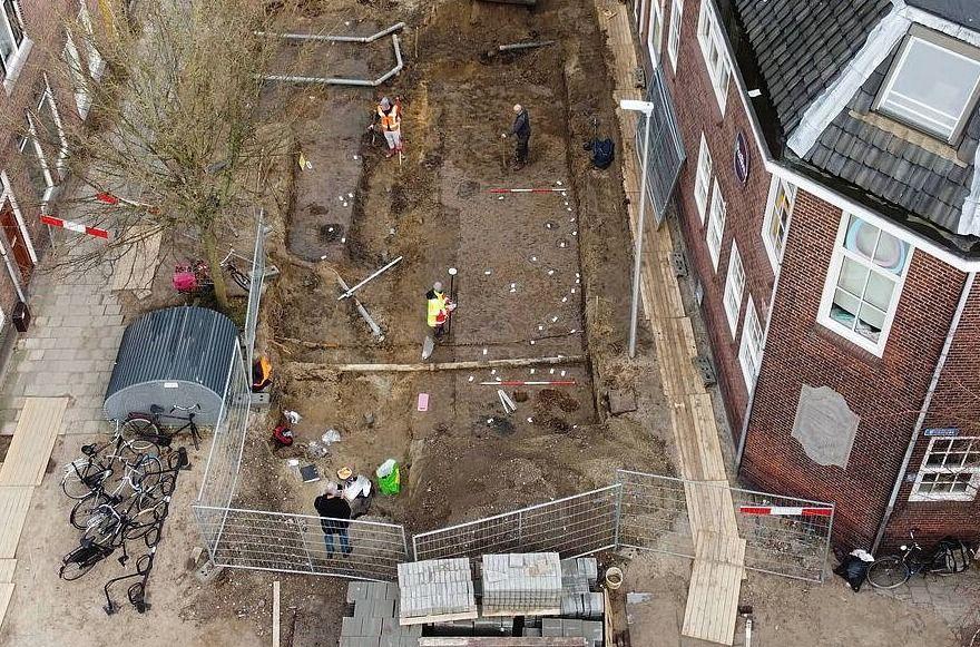 De opgraving in de Oudwijkerdwarsstraat in Utrecht