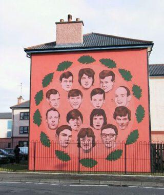 Muurschildering ter nagedachtenis aan de veertien dodelijke slachtoffers van Bloody Sunday