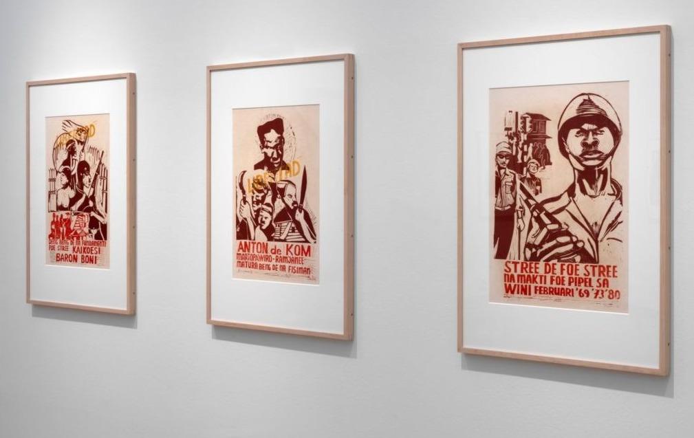 René Tosari, Untitled (400 jaar Verzet en Strijd), 1981. Collectie Kunstenaar Paramaribo. Zaalopname foto Gert Jan van Rooij / Stedelijk Museum