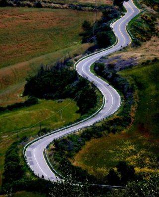 Een weg kan ook 'meanderen'