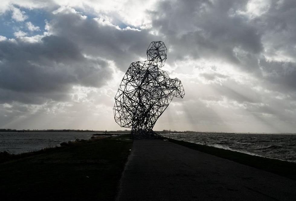 Anthony Gormley, Crouching Man 2010, Lelystad