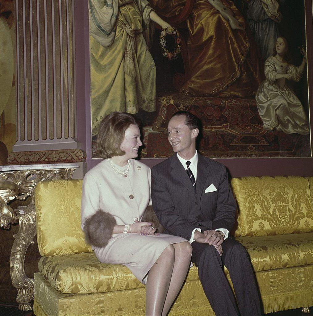 Prinses Irene en haar verloofde Carel Hugo in Paleis Soestdijk, 11 februari 1964