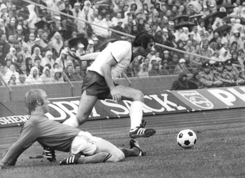 Foto gemaakt tijdens de wedstrijd Nederland - Oost-Duitsland, 1974