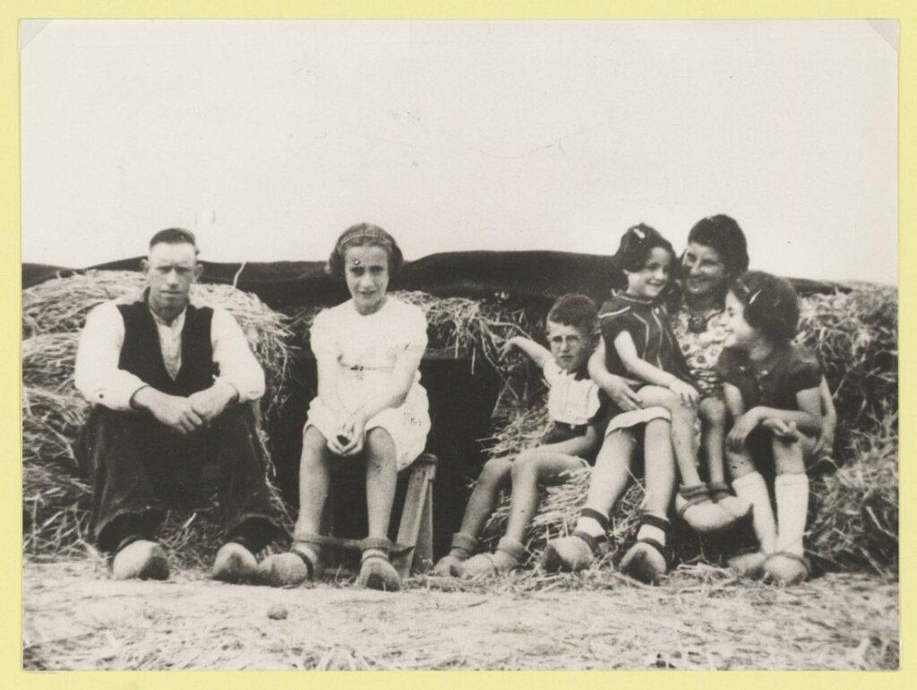 Onderduikers bij de familie Boogaard in de Haarlemmermeer. Foto Noord-Hollands Archief