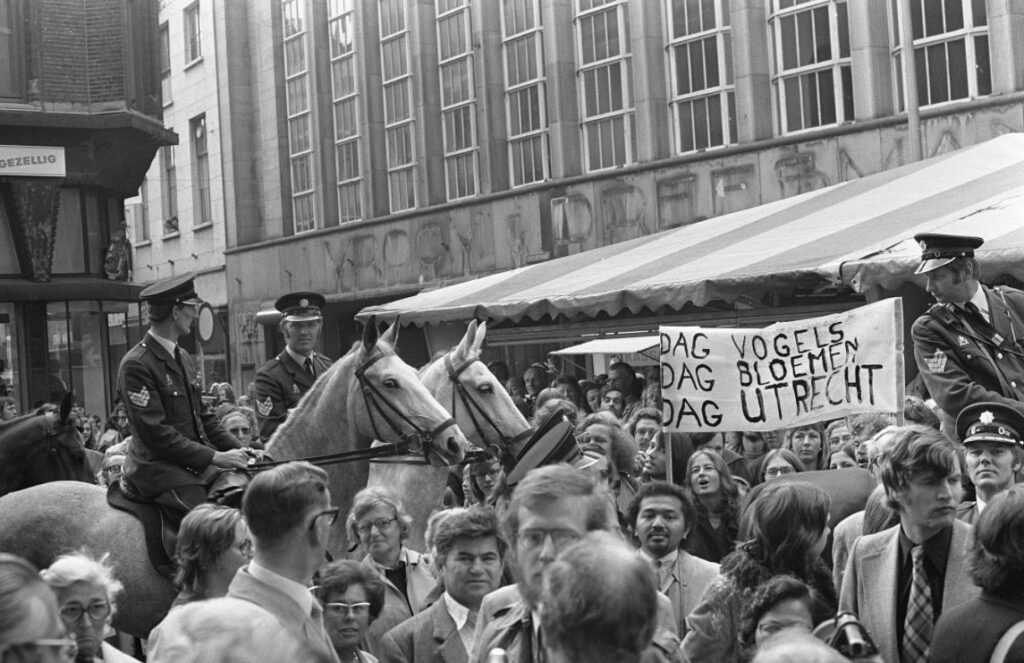 Protest rond de opening van Hoog Catharijne, 1973