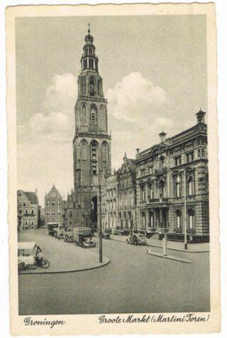 Het Scholtenhuis (rechts) in Groningen