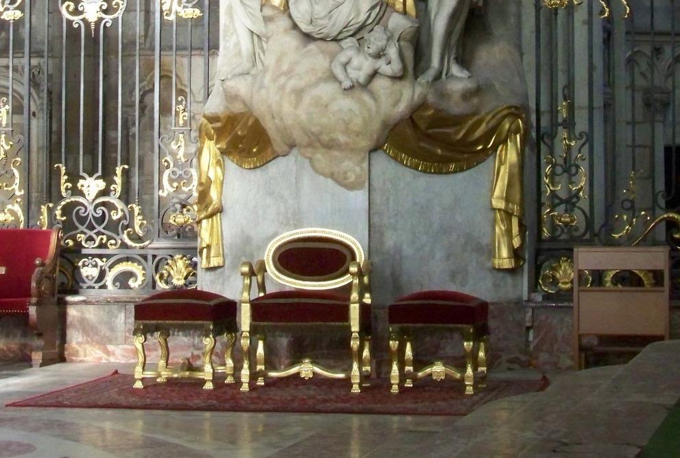 Bisschopszetel in de kathedraal van Amiens