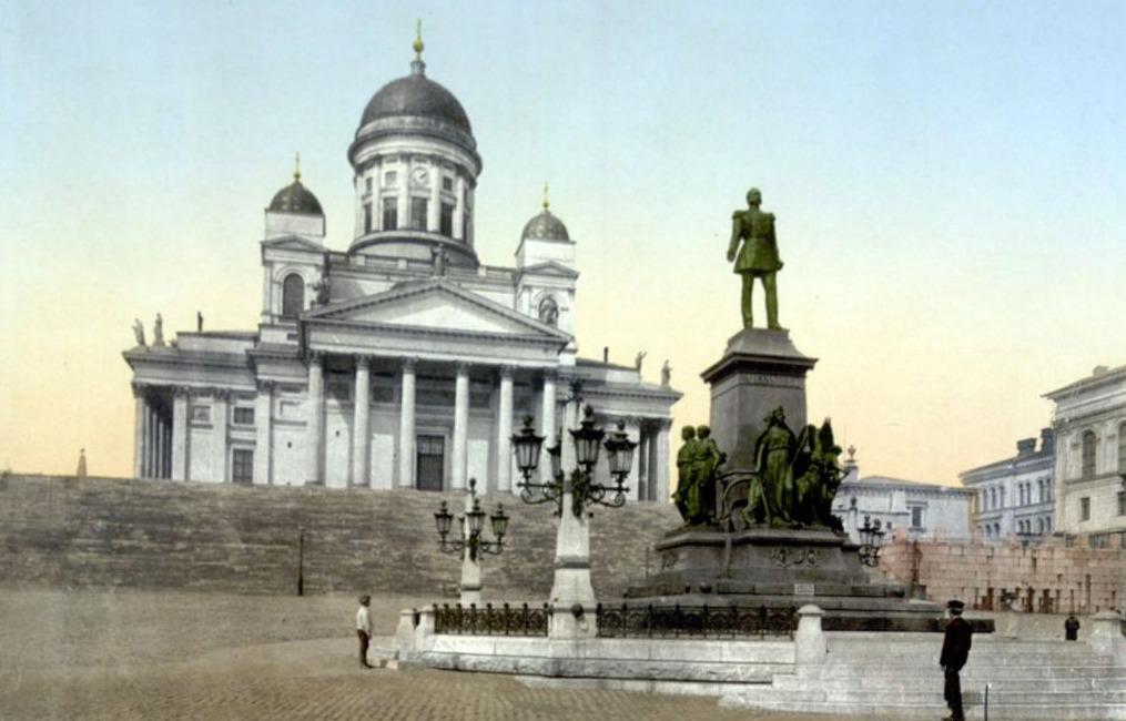 Kathedraal van Helsinki met daarvoor een standbeeld van tsaar Alexander II - Photochrom, ca. 1900