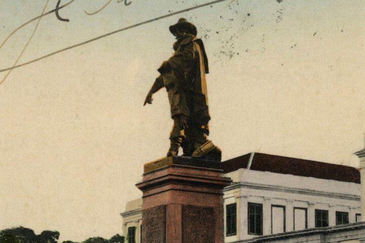 Voormalig standbeeld van Jan Pieterszoon Coen in Batavia, ca. 1908