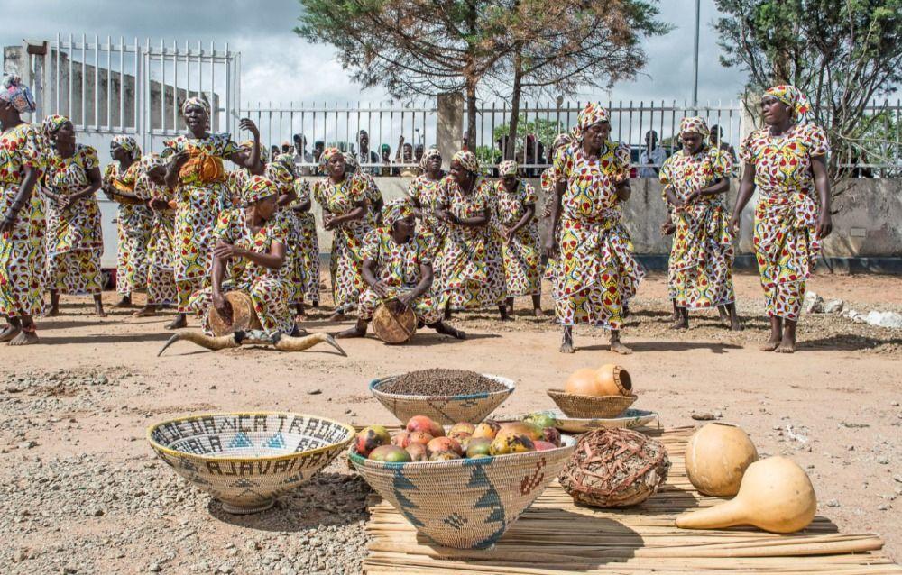 Angola: feest bij de presentatie van de Umbundu-vertaling in 2017 (foto UBS)