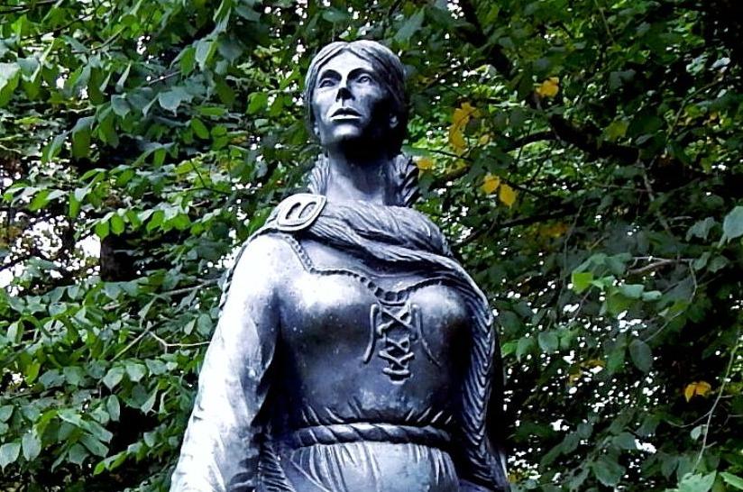 Standbeeld van Grace O'Malley in Ierland