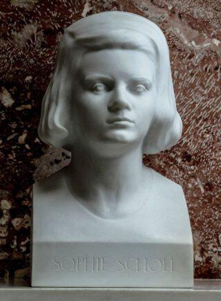 Buste van Sophie Scholl in het Walhalla bij Regensburg